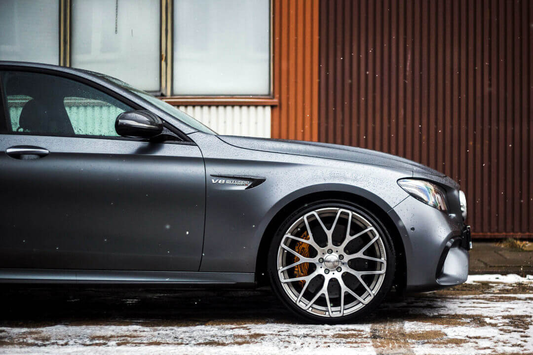 Mercedes-Benz E 63 S AMG 4MATIC+ side