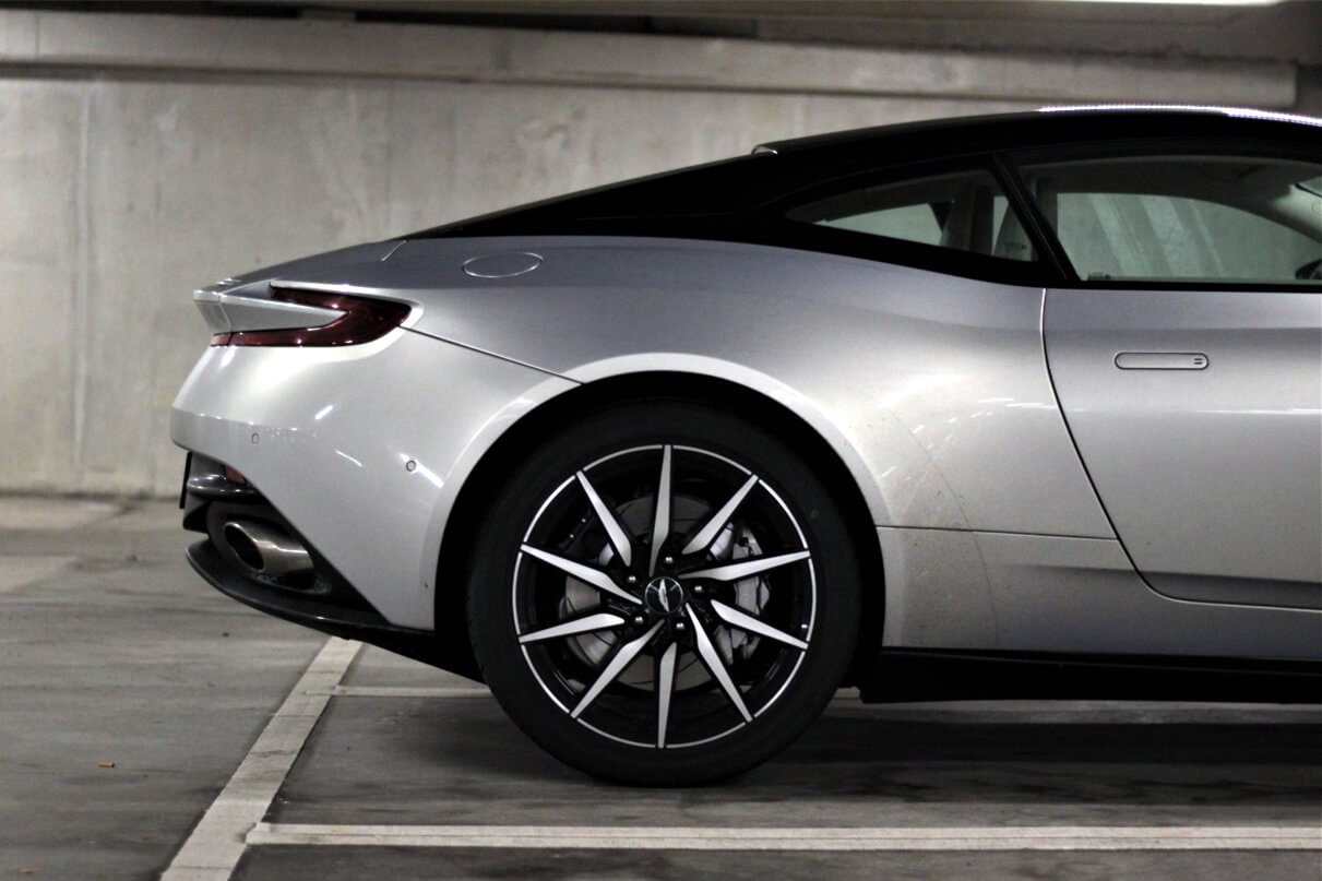 aston martin langzeitmiete baron cars leasing ab 6 monate. Black Bedroom Furniture Sets. Home Design Ideas