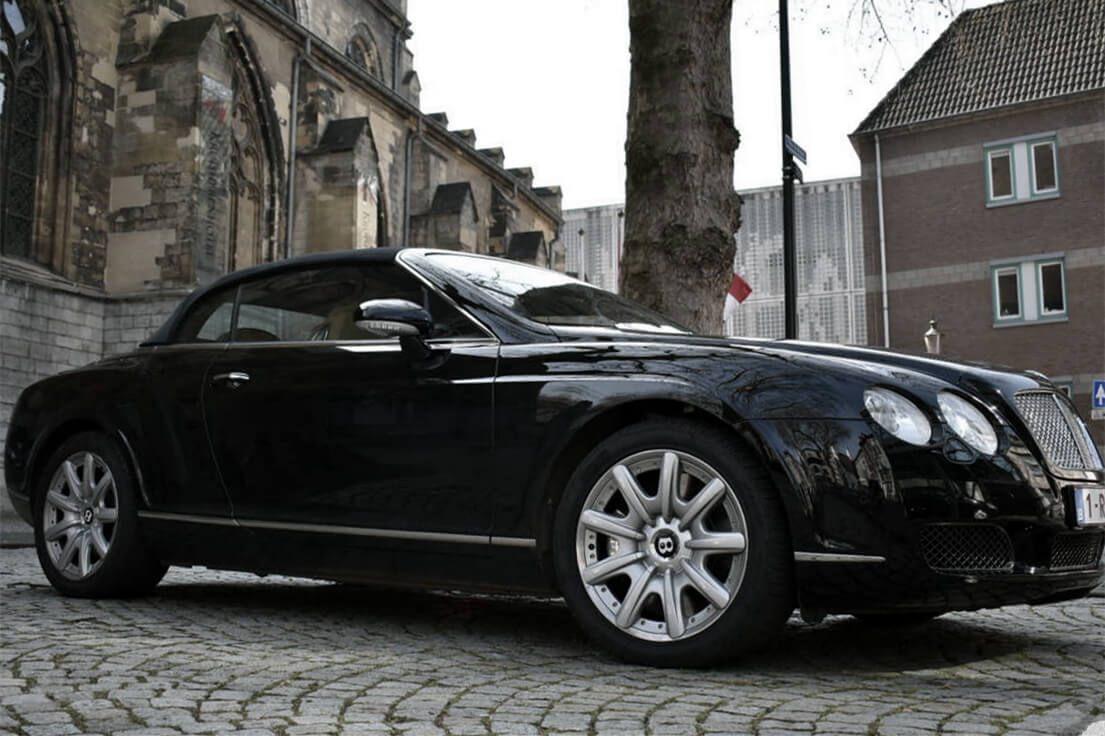 Bentley Continental GTC side